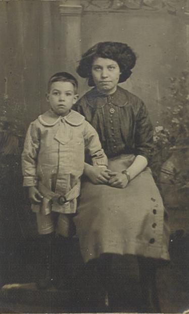 "Photograph described ""Adeline & Steven Greenshields"""